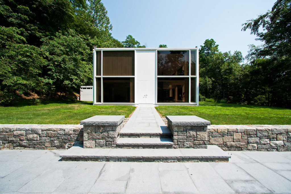 elevation image of mid-century modern glass home