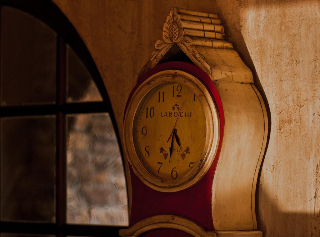 interior design clock
